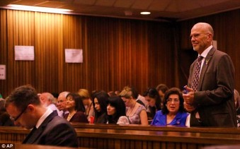 Arnold in court 3
