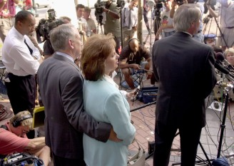 377159 08: John and Patsy Ramsey, left, listen to their lawyer Lin Wood, right, during a press conference following questioning by the Boulder, Colorado police August 28, 2000 in Atlanta. It was the first time the couple has spoken to police in two years regarding the murder of their daughter JonBenet in 1996. (Photo by Erik S. Lesser/Liaison)